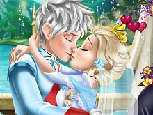 Ice Queen Wedding Kiss